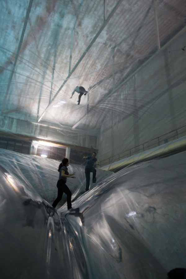 La gravedad como arquitecta: Tomás Saraceno – On Space Time Foam