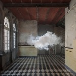 indoor-nimbus-cloud-art-installation-by-berndnaut-smilde_arte instalación Solucionista